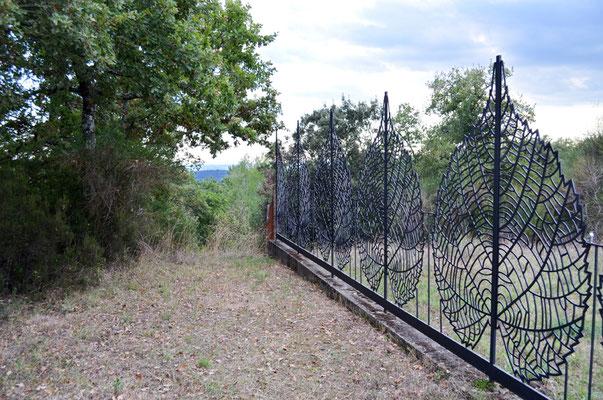 Zaun rund um das Parkgelände