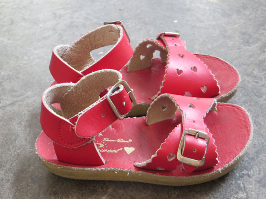 Sweet Sandals- 22 - 29.50 chf Kinder Second Hand Zürich