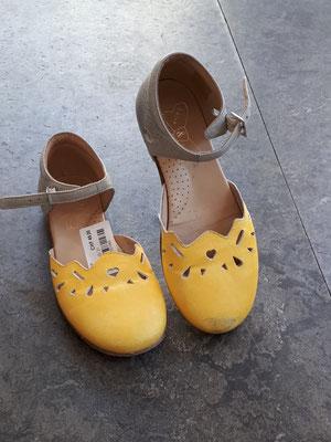 Schuhe 30