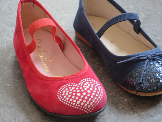 Red Bellerinas - 24 - with Swarovski brillants - 44.50 chf/ Blue Ballerinas Zara- 25 - 14,50 chf