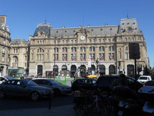 ここはオペラ座です。いまパリに着きました。