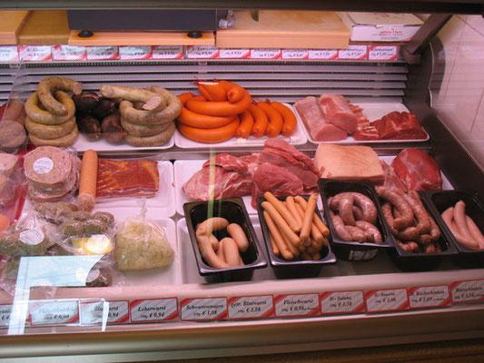 Wurst und Fleisch von der Metzgerei Ott in Ilbesheim
