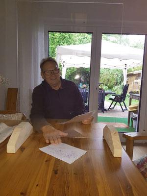 Peter Roth mit dem Prototyp