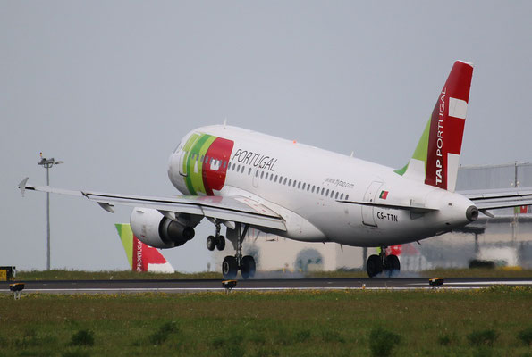 "A 320-214  "" CS-TNN "" TAP-Air Portugal -2"