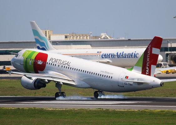 """A 320-214  """" CS-TNH """" TAP-Air Portugal -6"""