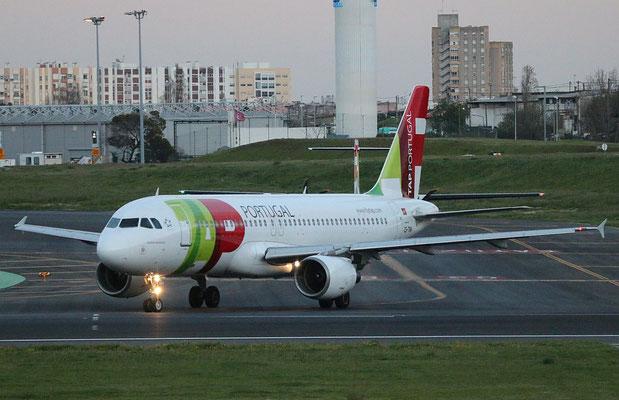 """A 320-214  """" CS-TNH """" TAP-Air Portugal -4"""