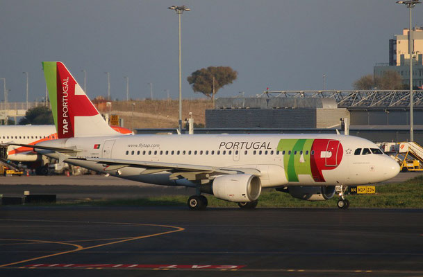 "A 319-111 "" CS-TTQ ""  TAP Air Portugal -5"