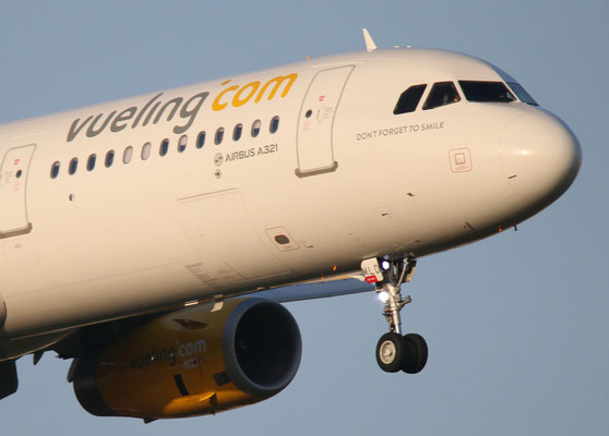 """A321-231 (W) """" EC-MLD """"  Vueling Airlines -3"""