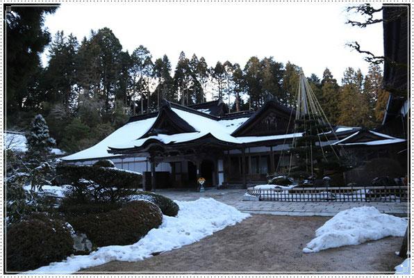 雪の本坊(重要文化財)