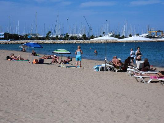 Strand nahe Hotel Port Denia bei gutem Wetter