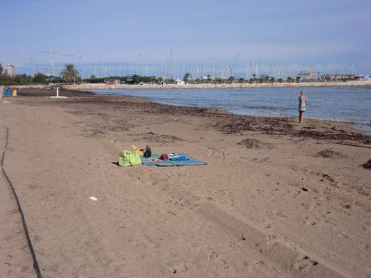 Strand nahe Hotel Port Denia bei schlechtem Wetter