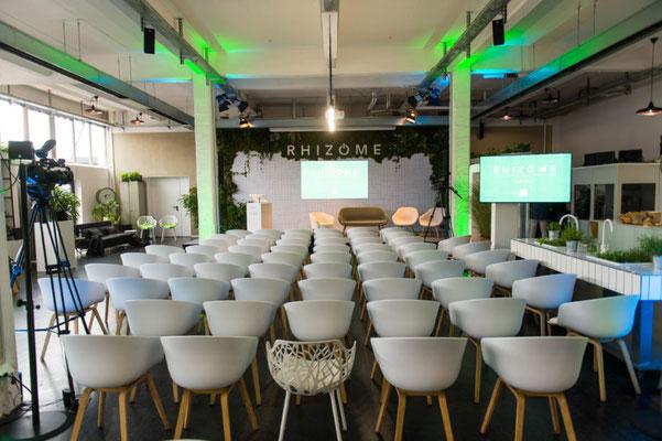 Tagungslocation, Meeting, Reihenbestuhlung im Trend Studio & Loft