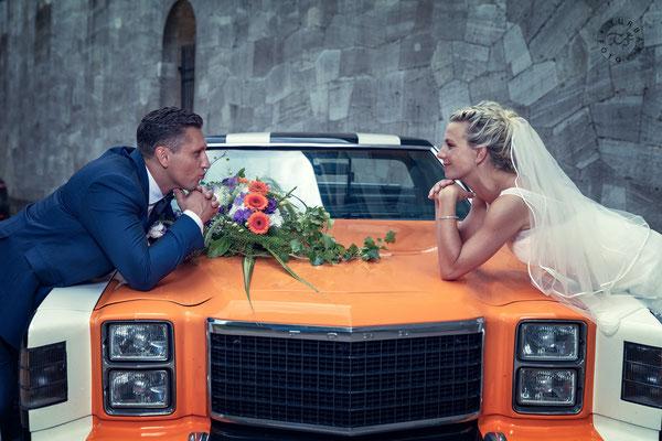 Brautpaar mit Brautauto Shooting Potsdam