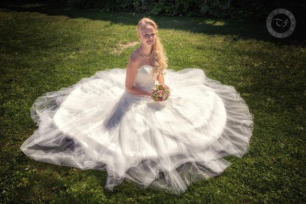 Brautkleid Hochzeit Shooting Fotograf