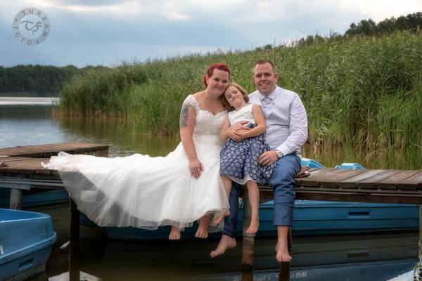 Brautpaar am Steg Shooting Hochzeit