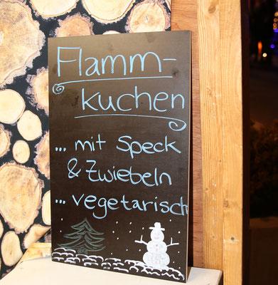 Tafel beschreibt Flammkuchenspezialitäten
