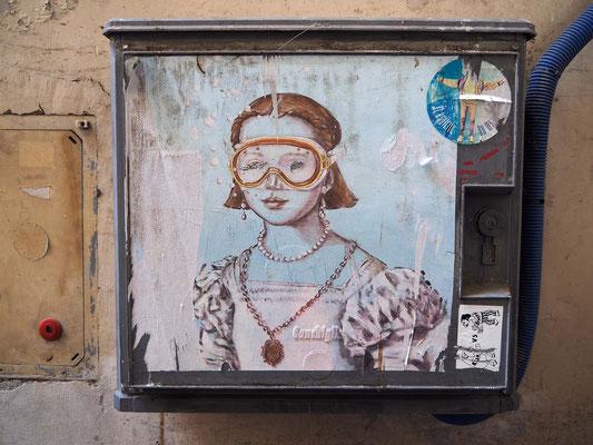 Streetart-Künstler blub; Vorlage: Porträt der Bia de Medici von Agnolo Bronzino; gesehen in Florenz