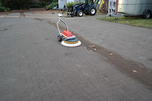 Westermann Radialbesen für Verschmutzung auf Straßen