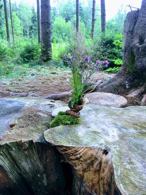 Blumenstrauss Waldtagesfamilie