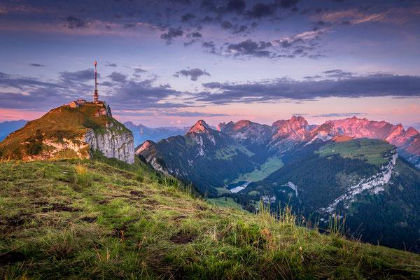 Bild Nr. 2020_5210: Der Alpstein im ersten Morgenlicht