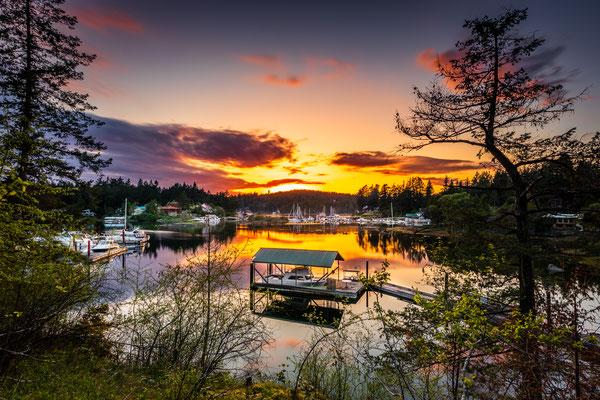 Bild Nr. 2019_8797: Kanadischer Hafen im Abendlicht