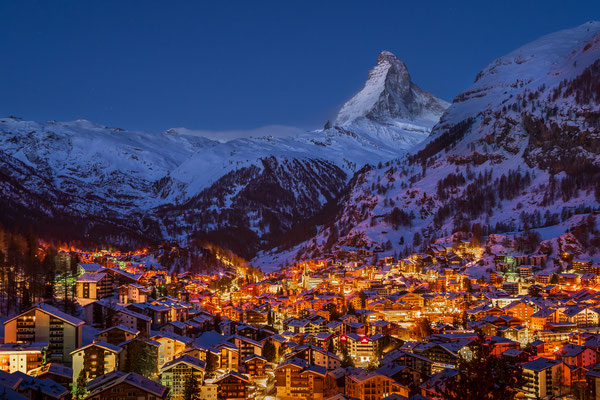 Bild Nr. 2021_2203: Zermatt by Night mit Matterhorn