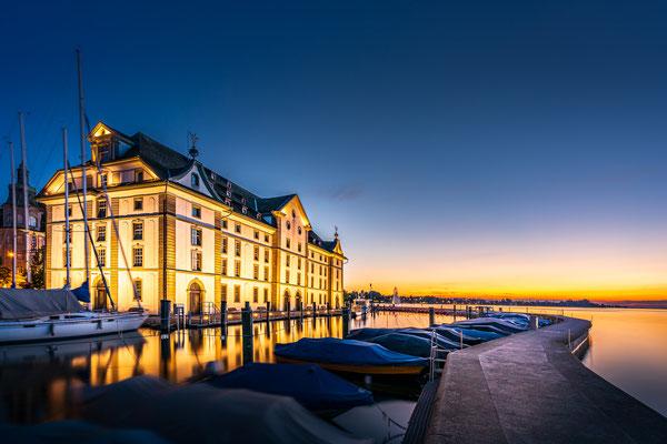 Bild Nr. 2019_0282: Hafen Rorschach mit Kornhaus nach Sonnenuntergang