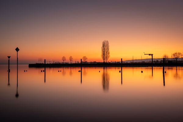 Bild Nr. 2020_9437: Reflektionen im Morgenrot