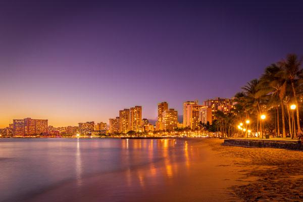 Bild Nr. 2019_7126: Waikiki, Honolulu am Abend