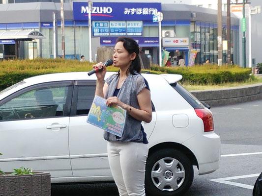 稲毛駅前で環境問題について訴えました