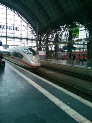 ドイツの新幹線ICEに乗って、デュッセルドルフへ
