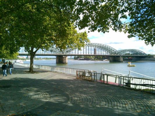 ケルンのライン川の風景。