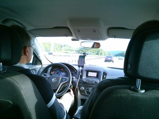 マルコの車窓。マルコはいつも私を乗せてくれます。
