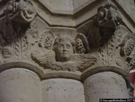 Sculpture chapiteau église de Plaisance du Gers les Anges