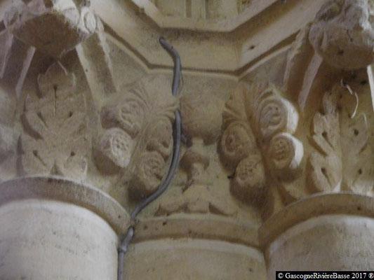 Sculpture chapiteau église de Plaisance du Gers calice