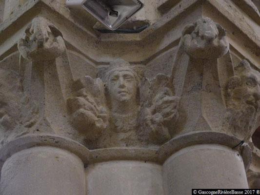 Sculpture chapiteau église de Plaisance du Gers les Patriarches
