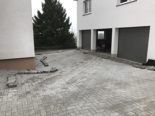 Freiburger Gartenbau Gelsomino - Aussenanlage- Pflasterarbeit