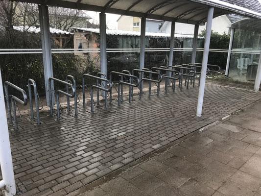 Freiburger Gartenbau Gelsomino - Fahrradständerplatz - Pflaserarbeit