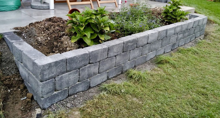 Freiburger Gartenbau Gelsomino - Gartenanlage - Steinmauer