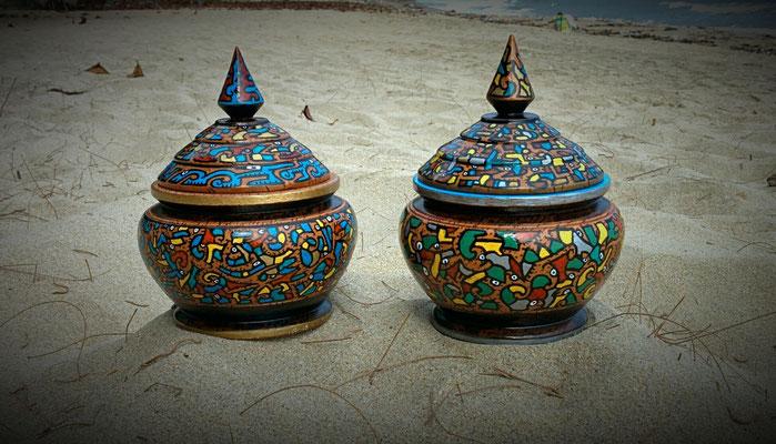 pots en noix de coco peint, Thaïlande