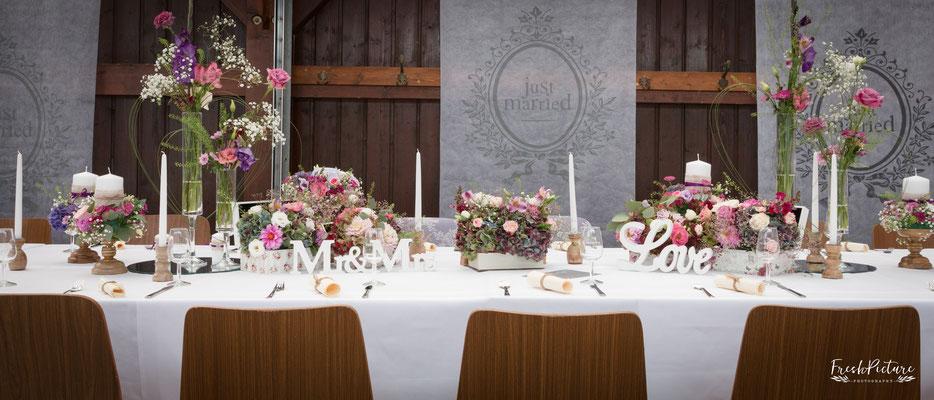Blumendeko für die Hochzeit in Emmendingen