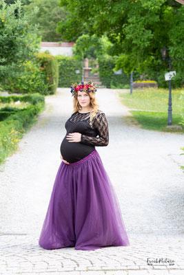 Langer Tüllrock in lila für Babybauchfotos