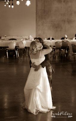 Cute first wedding dance, Hochzeitstanz