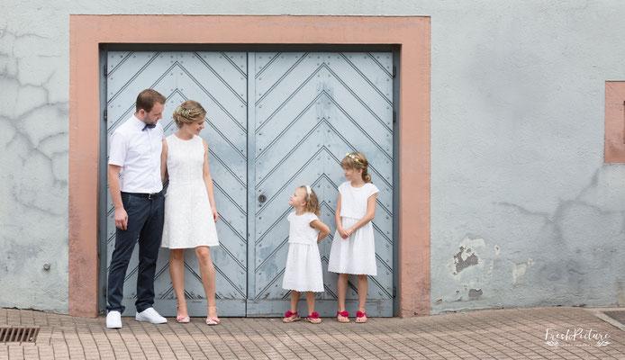 Braut, Bräutigam und Kinder
