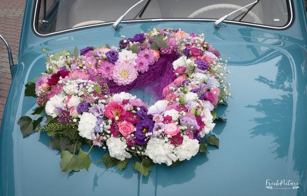 Blumenschmuck fürs Auto in Lahr