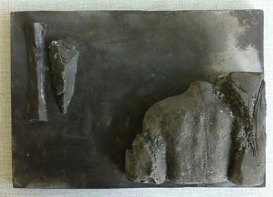 Waking the dead - aluminiumcement - 20 x 28 cm