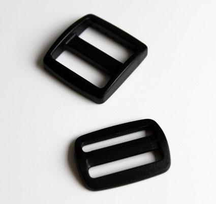 Das sind Stopper, werden für Geschirre und Halsbänder zum Verstellen verwendet.