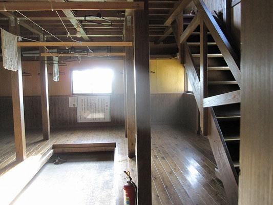 避難小屋1階