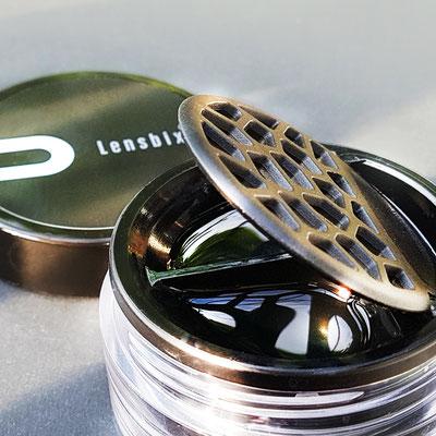 Lens-bix-Black-Purist in verwendung ist ein Objekt der Begierde. Befriedigt sowohl die ästhetischen Gesinnung wie den routinierten Pflegezyklus
