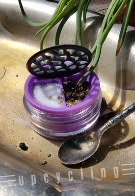 Lensbix upcycling -  Salz und Pfeffer jederzeit  / Kontaktlinsenbehälter / Kontaktlinsenbox / Box für Kontaktlinsenaufbewahrung  / Kontaktlinsendose / Kontaktlinsen-behaelter